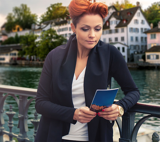 content-design-flyer-broschueren-flyer-tablet
